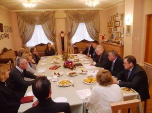 Посол России в Литве встретился с участниками V Всемирного конгресса соотечественников